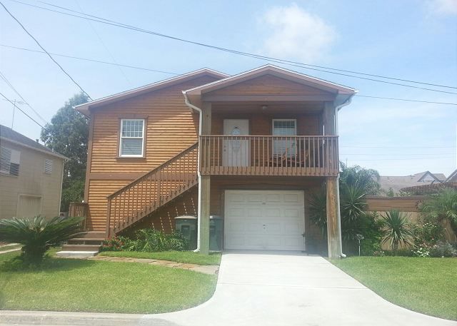 Clean- Sleeps 6- Minutes to Beach, Shops, Restaurants & FUN - Galveston, Texas