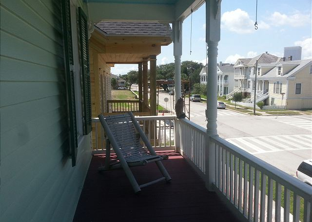 3 Bedroom, 2 Bath, Historic Home, Sleeps 10, Wi-Fi - Galveston, Texas