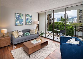 Waikiki Banyan 603-T2