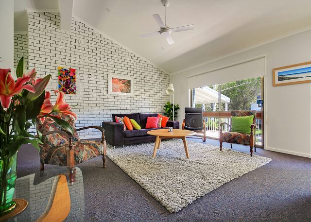 3 Minute Walk to Collingwood Beach - Pet Friendly & Stylish