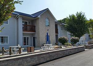 Put-in-Bay Poolview Condo #1