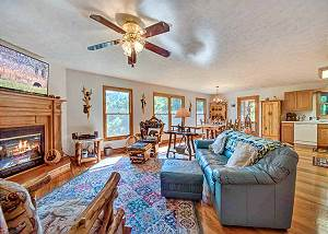 The Nut House, 2 Bedroom, Pet Friendly, Pool Table, Secluded, Sleeps 6