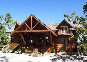 Twin Cedar Lodge, 11 Bedrooms, Indoor Swim Spa, Theater Room, Sleeps 24
