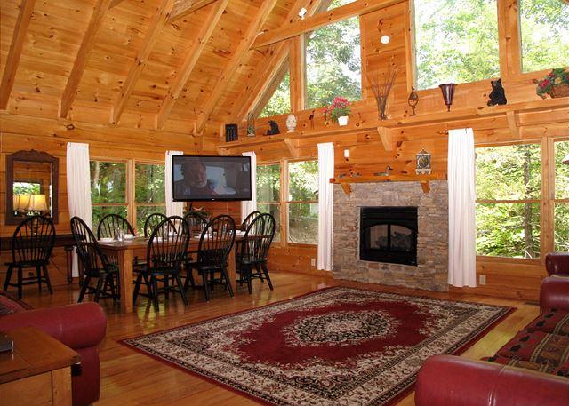 Cozy Bear Lodge 3 Bedroom Cabin Rental In Gatlinburg