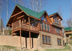 Above it All, 3 Bedrooms, Views, Hot Tub, Pool Access, WiFi, Sleeps 9