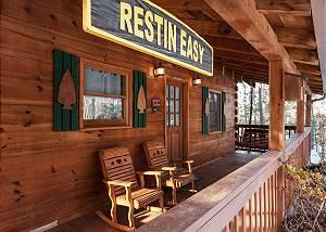 Restin Easy, 1 Bedroom, Pool Table, Jetted Tub, Pet Friendly, Sleeps 2