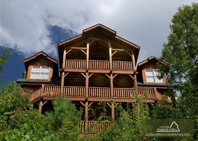 gatlinburg vacation rental chalet great smoky lodge jackson