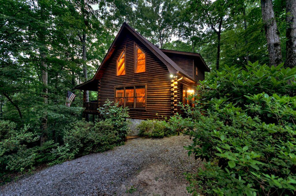 Mountain Joy - Base Fee $149 | A Blue Ridge Vacation