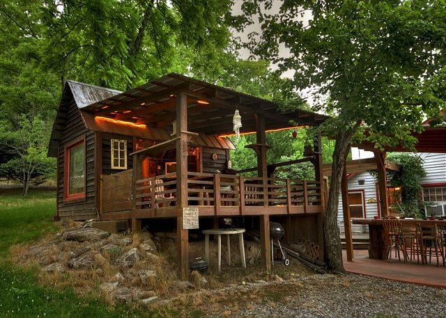 Morganton ga united states ladybug lake lodge blue for 8 bedroom cabins in blue ridge ga