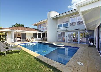 5 Bedroom House With Private Pool