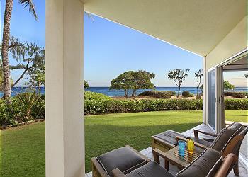 Waipouli A107  LARGE suite closest BEACH FRONT 10