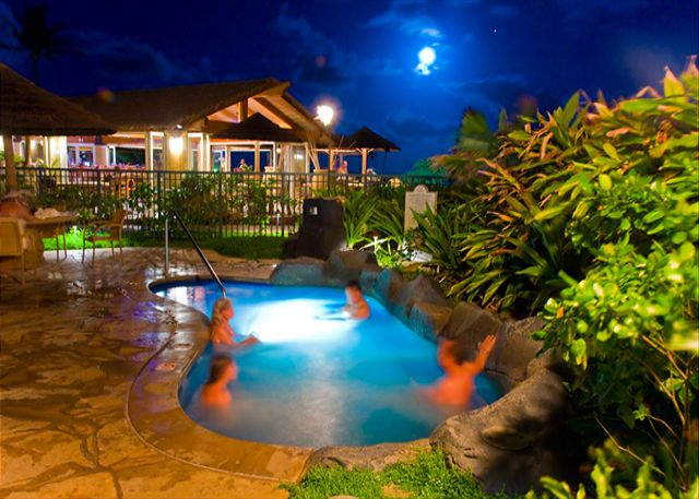 Hot tub moon & bar