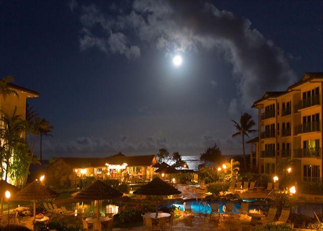 Moon Rise Waipouli