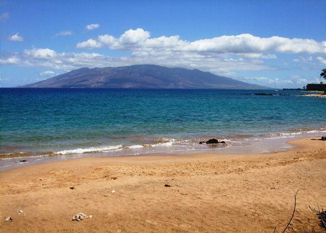 Mokapu Beach , Closest Beach To Wailea Ekolu