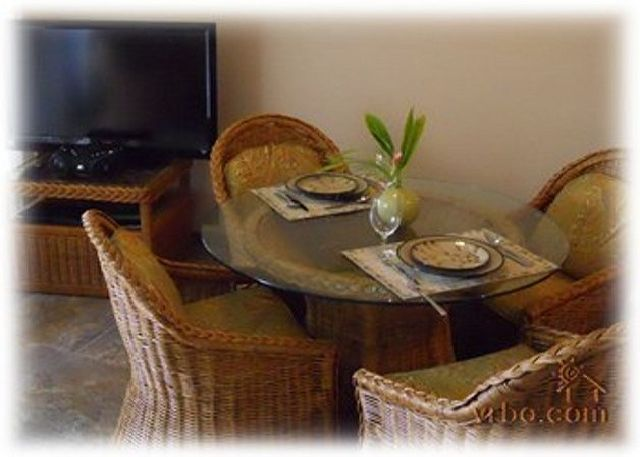 """Dining Area and 42"""" Flat Screen TV/ DVD, High Speed Wireless"""
