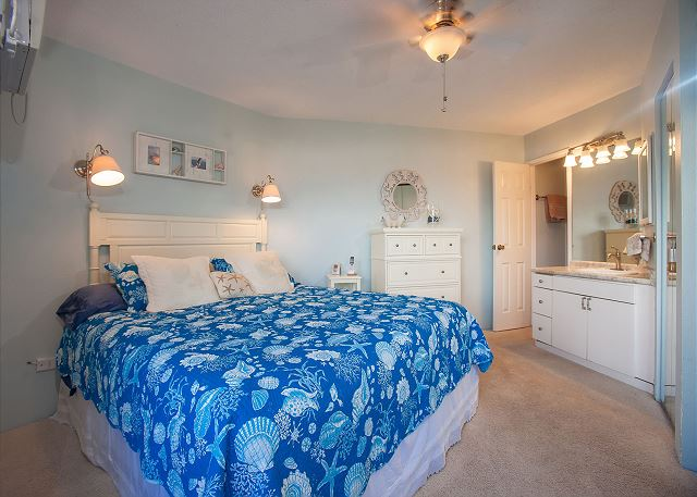 Maui Sunset A509 King Bed attached Master Bath