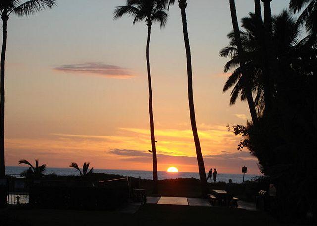 Waiohuli Beach Sunset