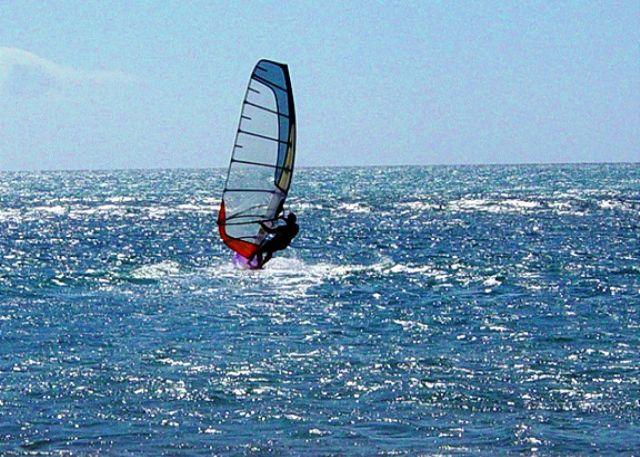 Windsurf in front of Leinaala #104