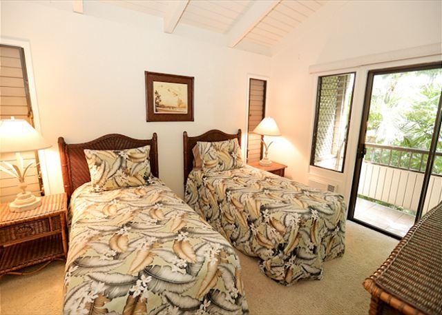 Wailea Ekolu #102 Twin Beds, AC and Ceiling Fan
