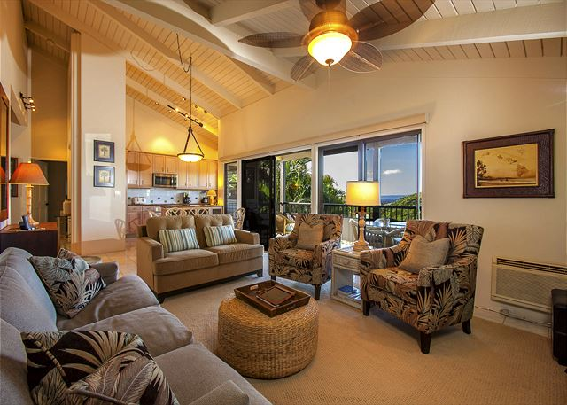 Wailea Ekolu #102 Spacious Living Area