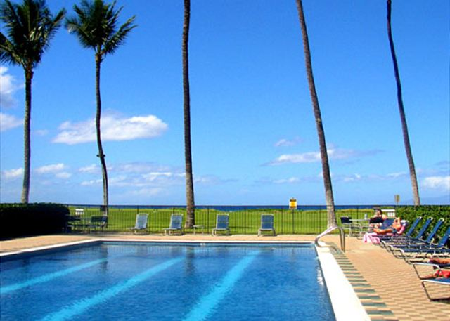 Waiohuli Beach Hale 60 FT Solar Heated Pool
