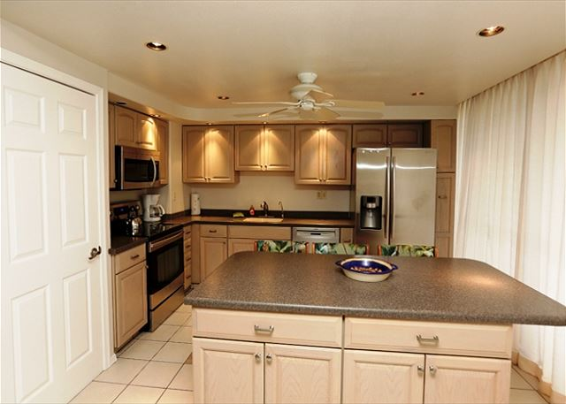 zMaui Parkshore #304 Remodeled Kitchen