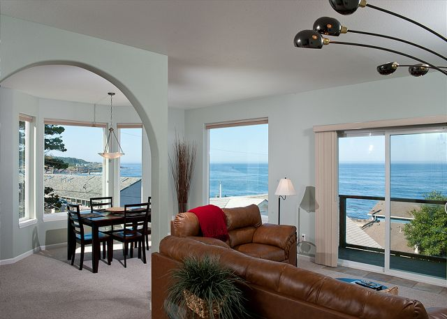 Ocean Views of the Oregon Coast with the Comforts of Home