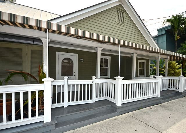 Entry to the Adorable Front Porch and Unit
