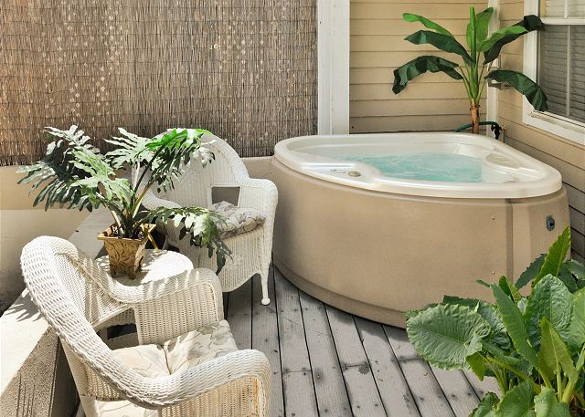 Private jacuzzi on private, furnished patio