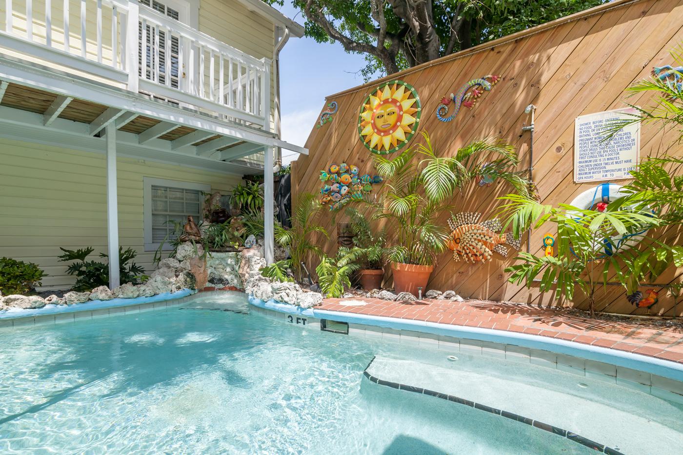 Rent bougainvillea garden house bed breakfast key for Chelsea pool garden key west
