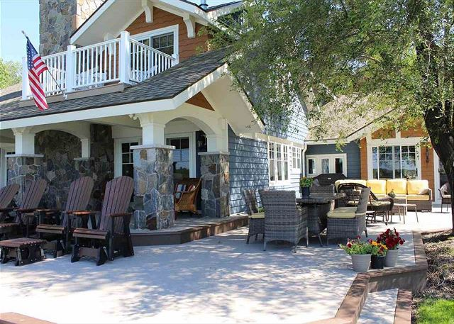 Luxury Pickerel Lake Home