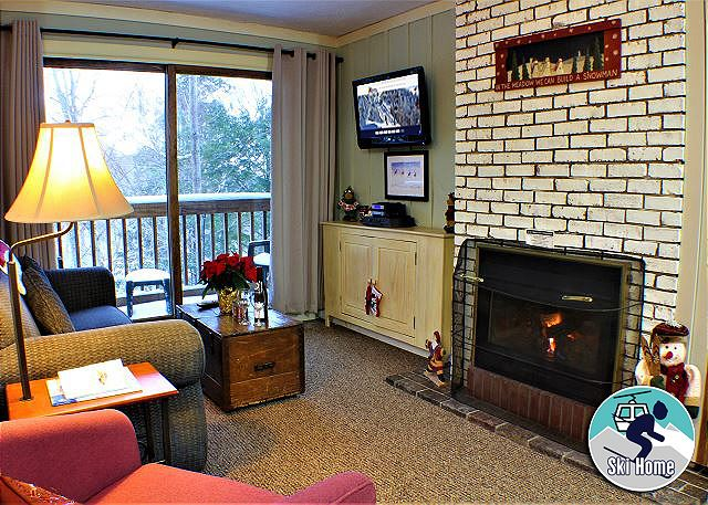 <center>Beautifully decorated cozy condo is just the getaway you have been searching for<center>