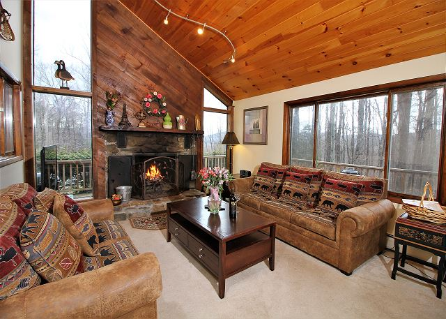 <center>Wood burning fireplace to keep you warm during the coldest winter days<center>