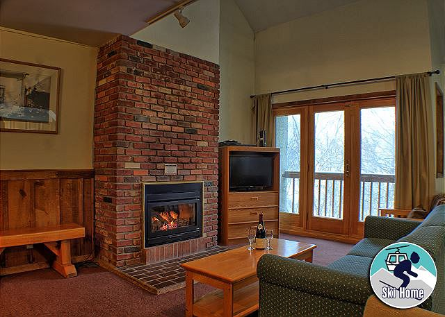 <center>Gas burning fire place to keep you warm even on the coldest Killington days<center>