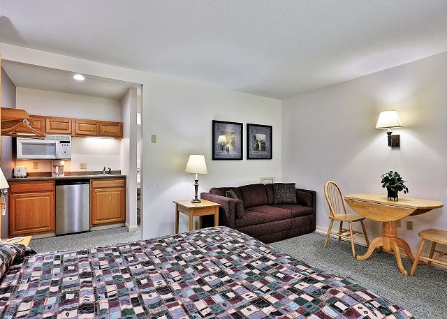 Cedarbrook Two Bedroom Suite 107/108