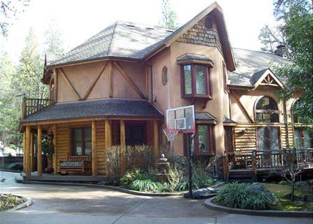 Bass Lake CA Vacation Rentals-Homes and cabins for rent at Bass Lake. Vacation near Yosemite.