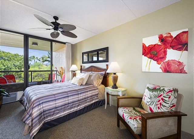 Master bedroom with comfortable Queen Sized Bed! All bedrooms have New Airconditioning Wall Units!