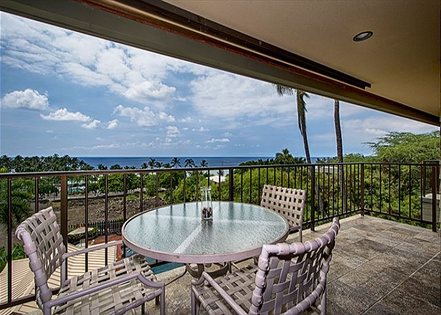 Spacious lanai with amazing ocean view!