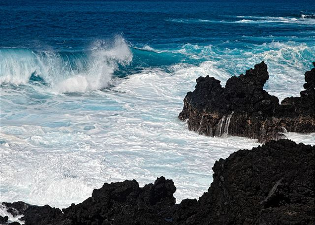 Views of the Crashing Waves right from your lanai!