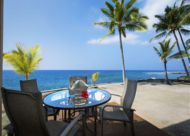 Direct Oceanfront Living !! The Lanai!!