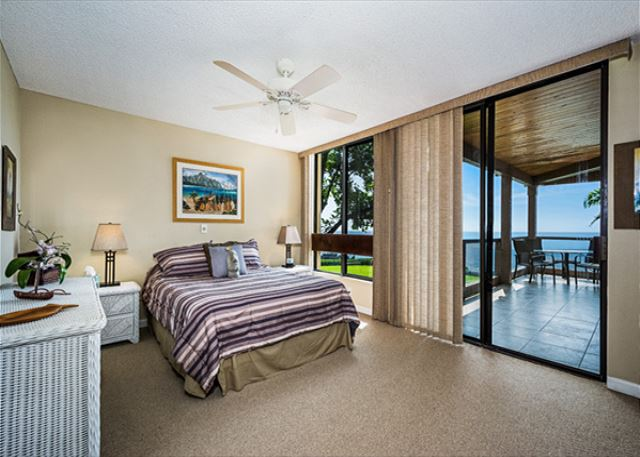 Master bedroom is right on the water!! Listen to the sound ocean when you go to sleep or when you wake up!