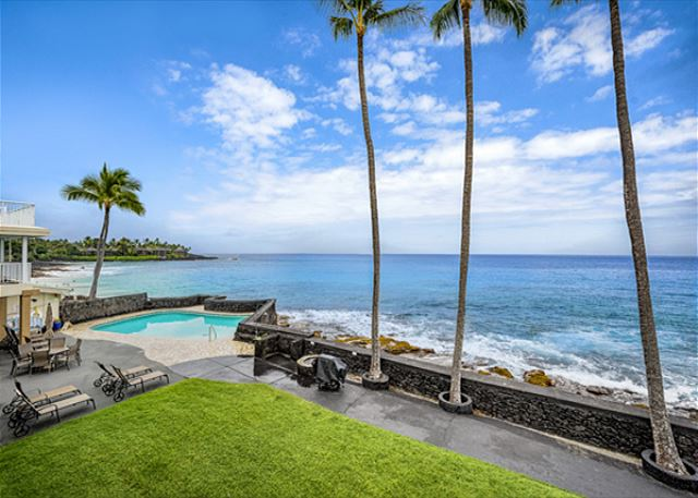 Your view from your lanai!!! The complex sits right on top of a beach!!