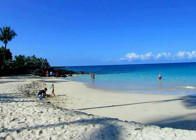 Another picture of Magic Sands Beach! The closest white sands beach to the complex!