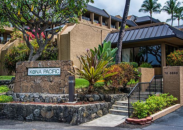 Come stay at Kona Pacific B409!!