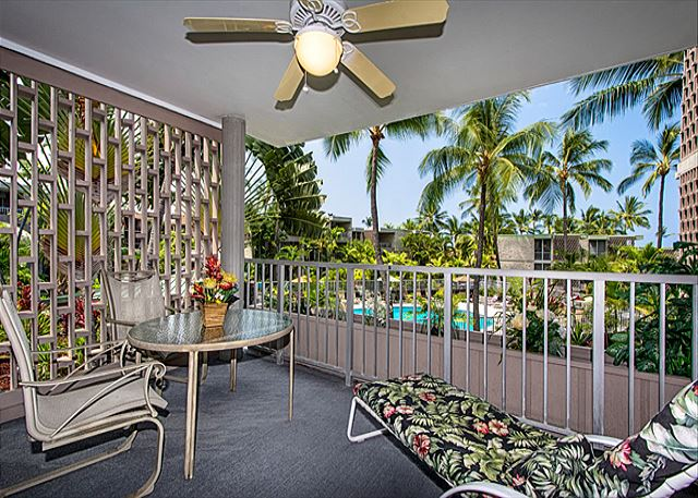 Enjoy sitting on your lanai! Space for dining & relaxing! Enjoy a ocean & pool view!