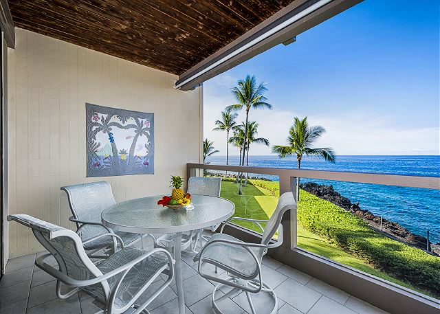 Gorgeous oceanfront private lanai