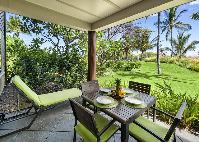 Relax on your private lanai after a long day at the beach.......