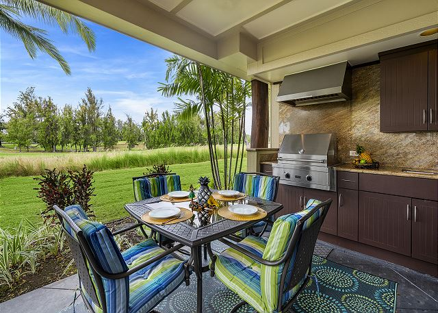 Enjoy your meals outdoor on our lanai with BBQ kitchen.....