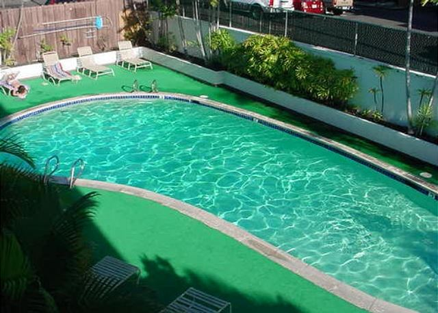 Kona Plaza swimming pool