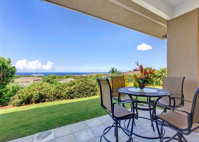 Covered Lanai Space with Outdoor Dining